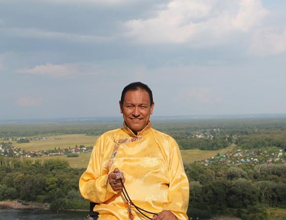 """В нашей клинике ведёт приём доктор тибетской медицины высшей степени квалификации """"Эмчи"""" Тензин Тапа"""